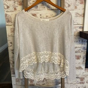 Abercrombie & Fitch gray lace crop sweater. Size S